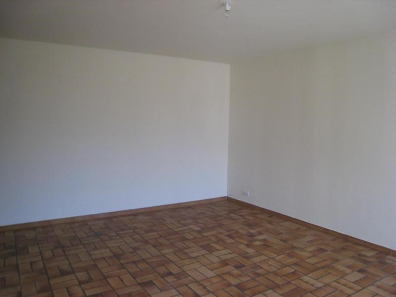Location appartement Reignier-esery 740€ CC - Photo 5