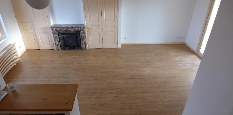 Location maison / villa St foy les lyon 1 850€ CC - Photo 2