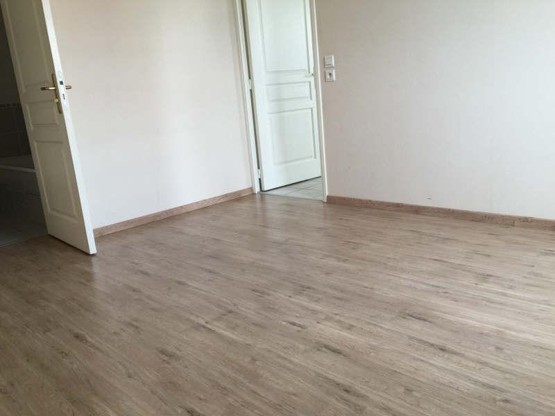 Verhuren  appartement Meyzieu 622€ CC - Foto 3