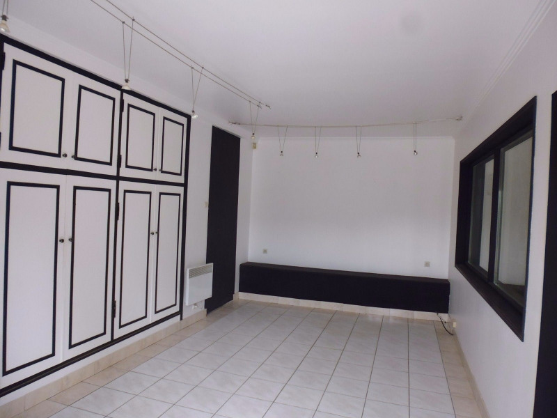 Location Local commercial Burey 0
