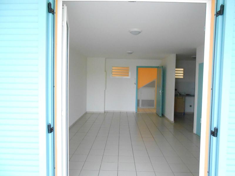 Rental apartment Le gosier 689€ CC - Picture 3