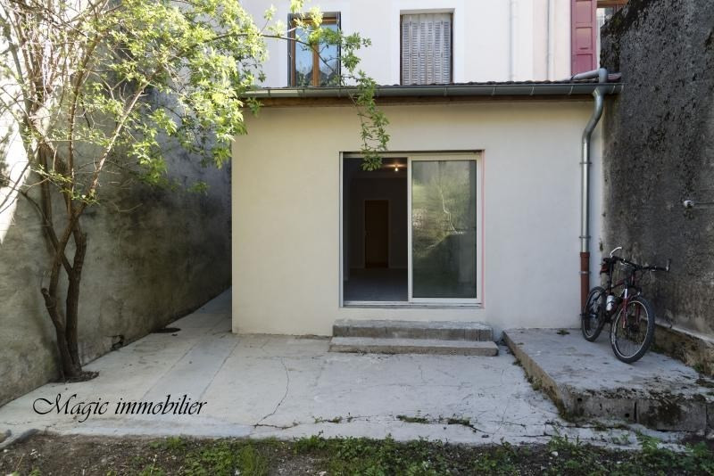 Location appartement Nantua 307€ CC - Photo 1