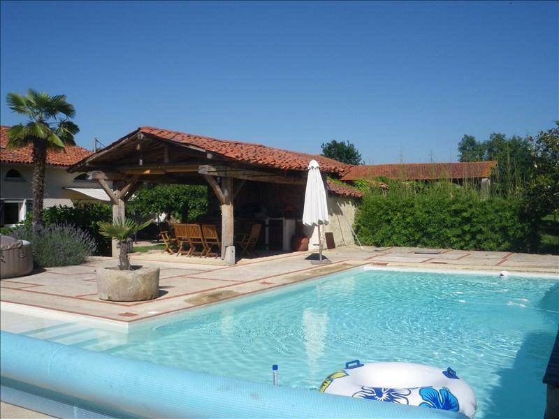 Sale house / villa Savigneux 490000€ - Picture 1
