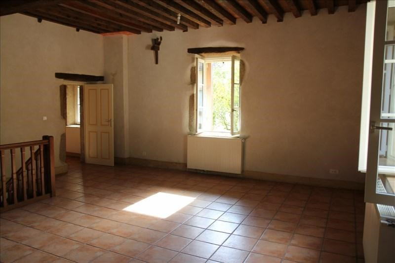 Rental apartment Assieu 950€ CC - Picture 2