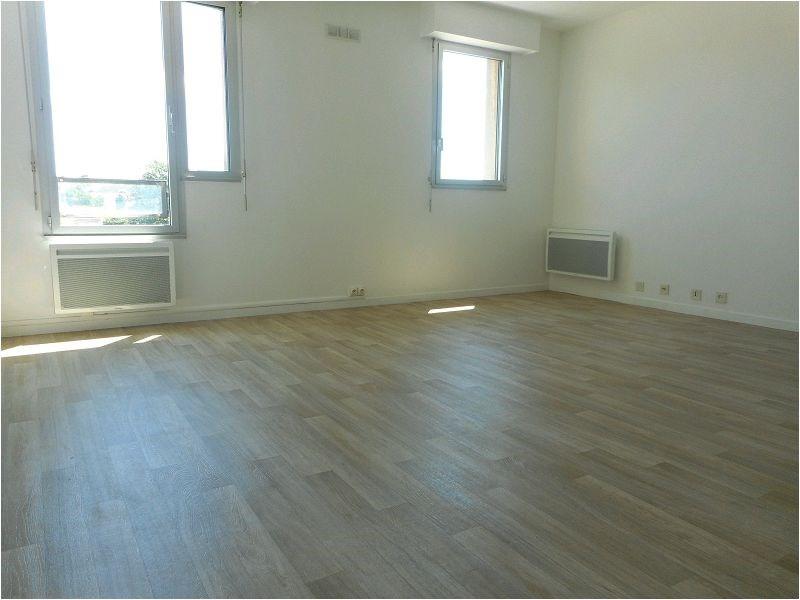 Rental apartment Savigny/orge 571€ CC - Picture 1