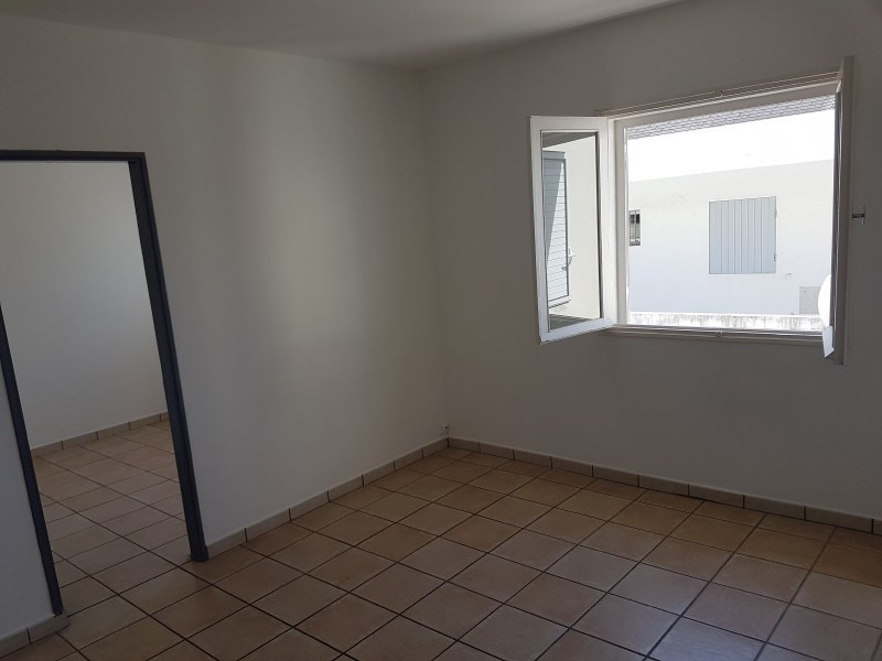 Location appartement Le tampon 535€ CC - Photo 1