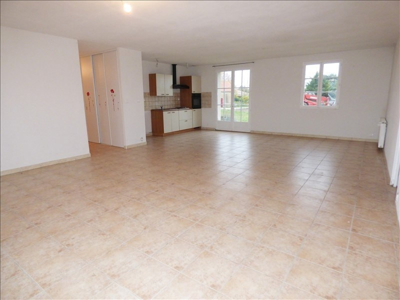 Vente maison / villa Charroux 148 000€ - Photo 2
