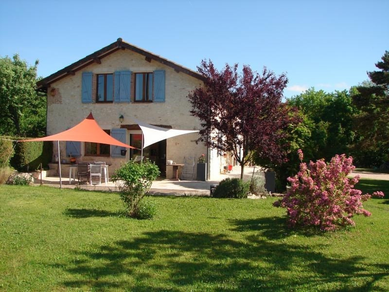 Sale house / villa L isle jourdain 397 950€ - Picture 1