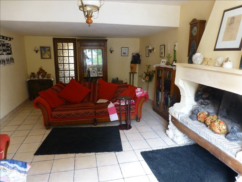 Sale house / villa St savinien 188 200€ - Picture 2