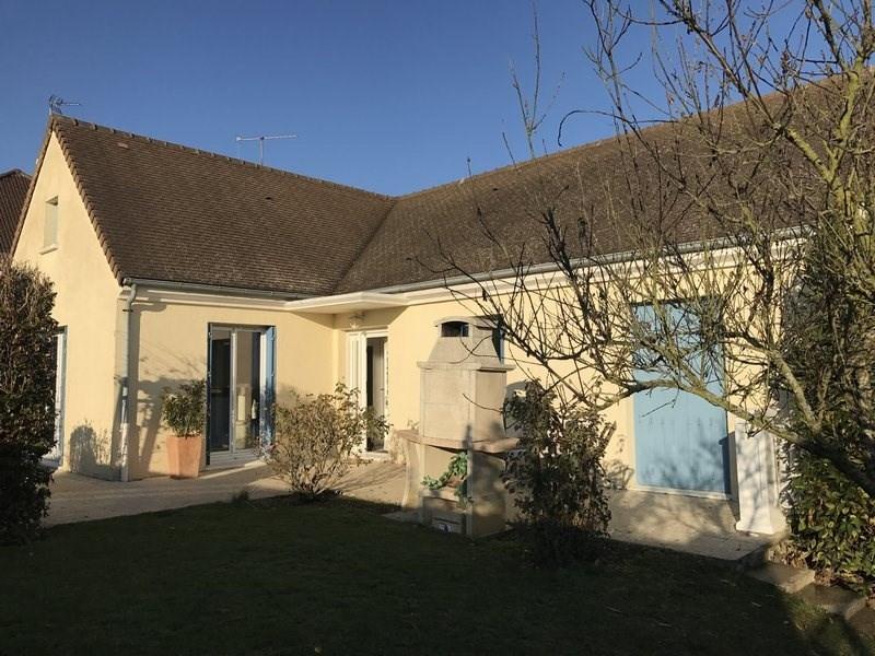 Revenda casa Orgeval 520275€ - Fotografia 1