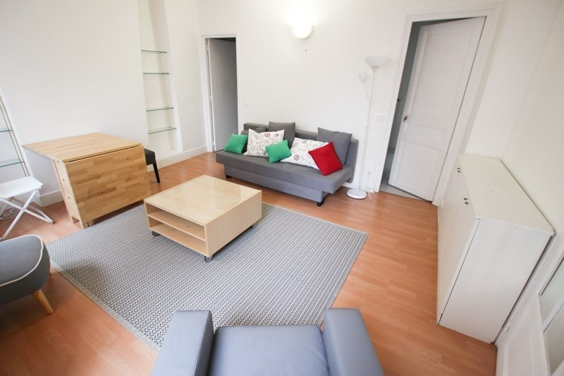 Location appartement Paris 17ème 1 640€ CC - Photo 3