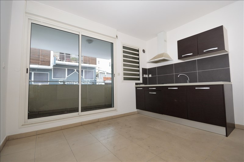 Location appartement St pierre 546€ CC - Photo 1