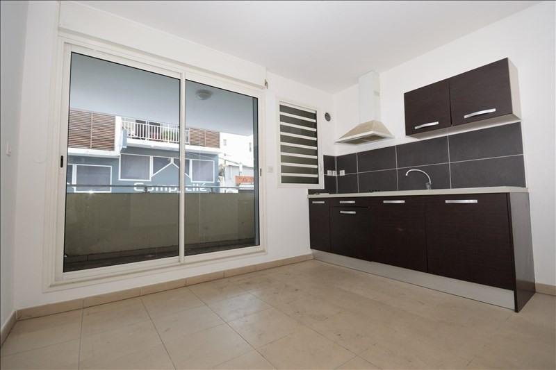 Rental apartment St pierre 546€ CC - Picture 1