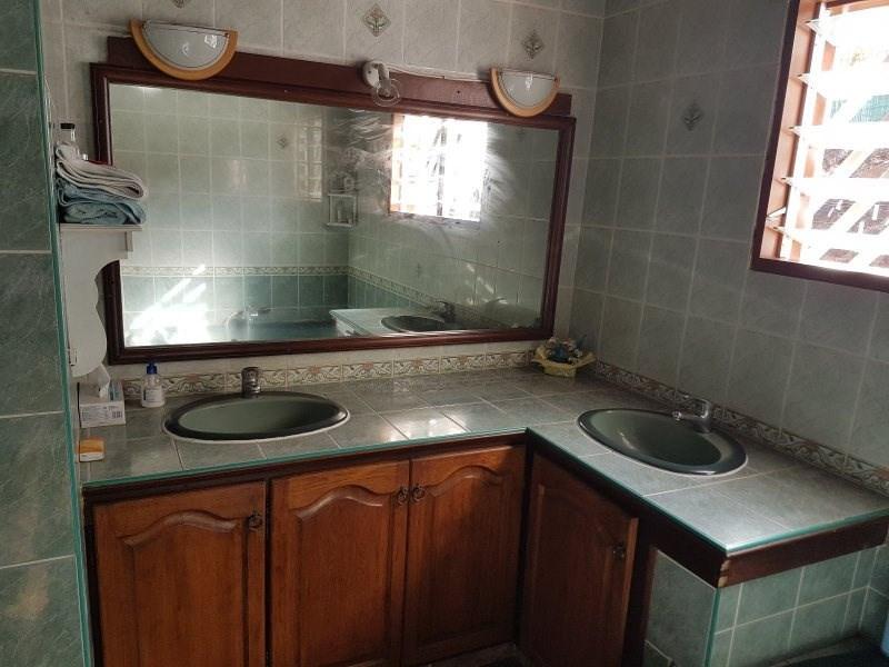 Vente maison / villa Les trois mares 335000€ - Photo 11