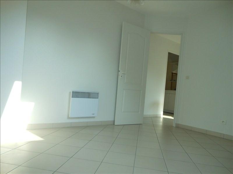 Rental apartment Brie comte robert 850€ CC - Picture 3