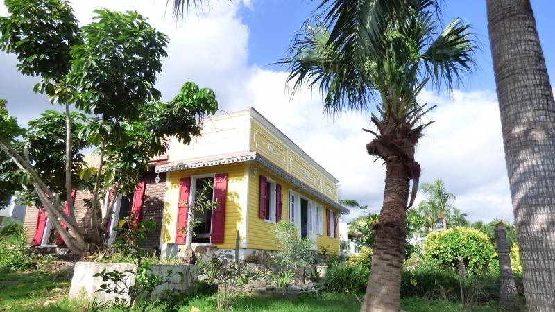 Rental house / villa La riviere 1600€ CC - Picture 1
