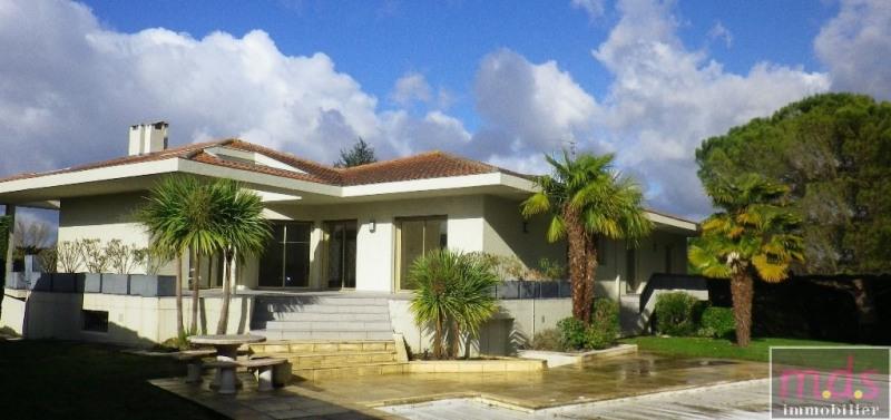 Maison T6,200 m², sous-sol 350 M2-piscine-terrain 1500 m²