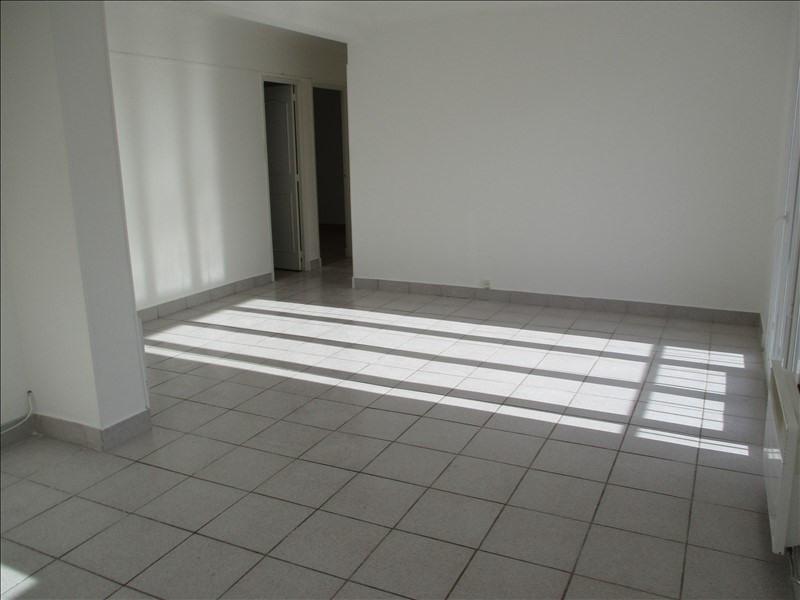 Location appartement Salon de provence 670€ CC - Photo 2