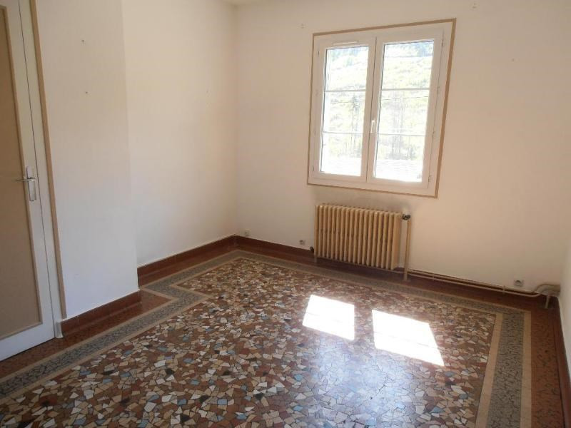 Location maison / villa Nantua 868€ CC - Photo 9
