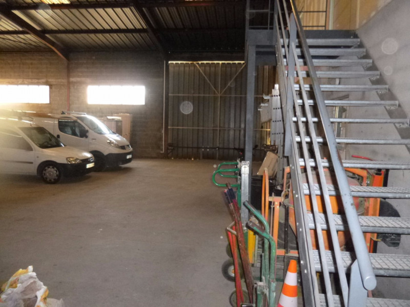 Location local commercial Morieres les avignon 4 000€ HC - Photo 3