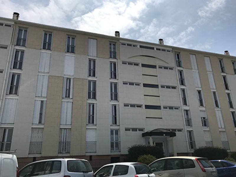 Rental apartment Rochefort 560€ CC - Picture 1