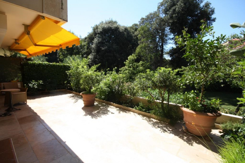Sale apartment Cap d'antibes 555 000€ - Picture 2