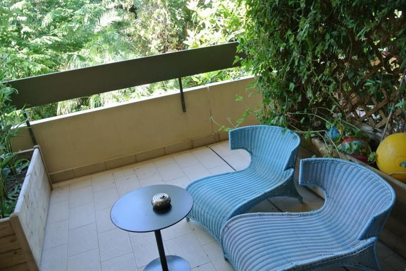 Vacation rental apartment Juan les pins  - Picture 4