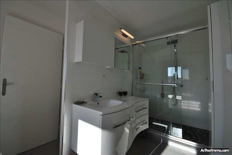 Sale apartment St raphael 222000€ - Picture 5