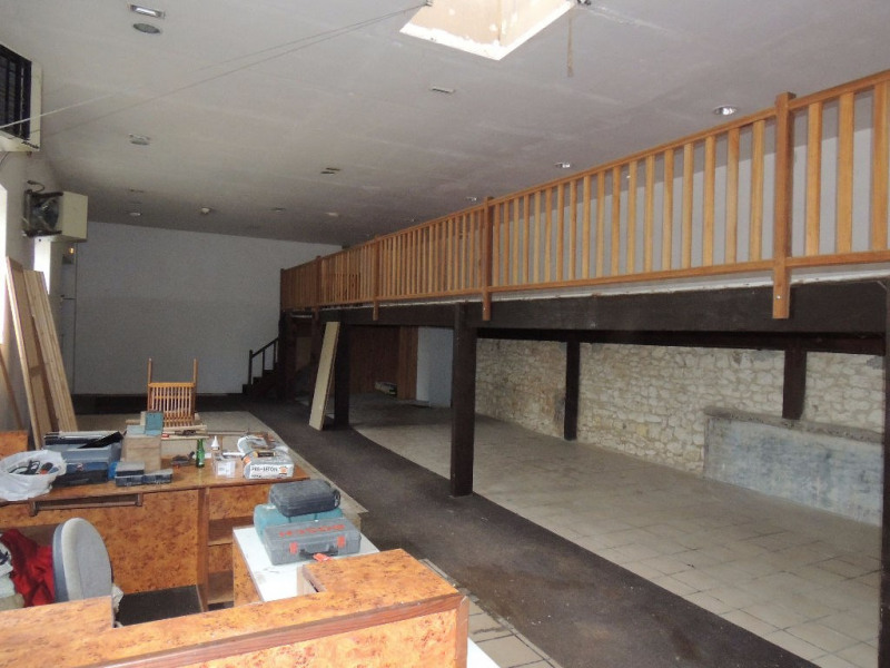 Vente local commercial Saint romain de benet 392 000€ - Photo 1
