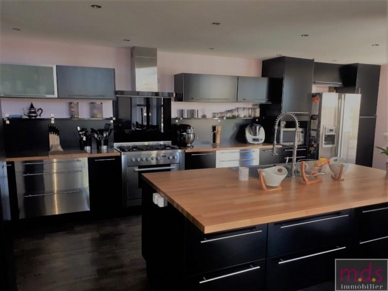 Deluxe sale house / villa Proche castelginest 649000€ - Picture 3