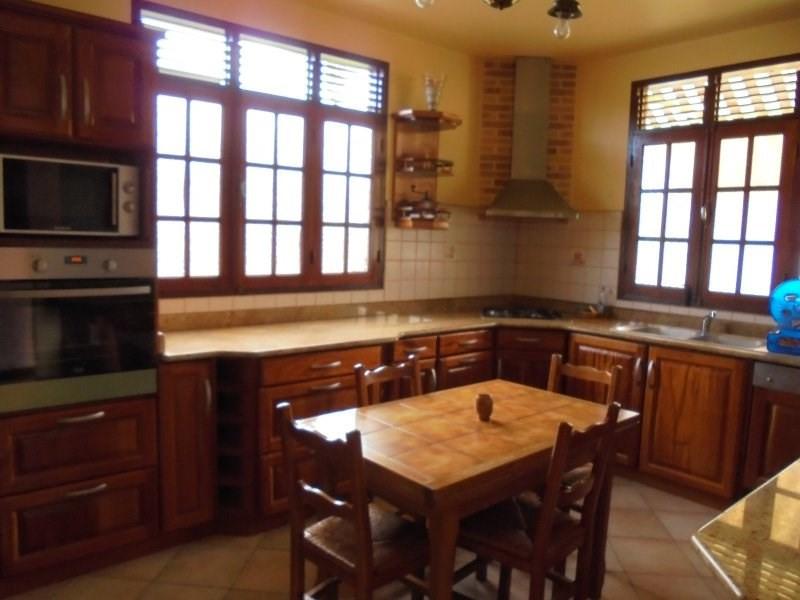 Sale house / villa Capesterre belle eau 325000€ - Picture 5