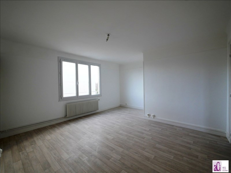 Vente appartement L hay les roses 182 000€ - Photo 2