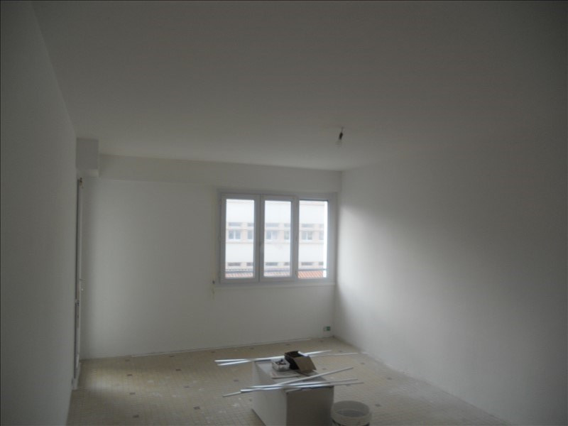 Sale apartment Les sables d olonne 193 000€ - Picture 1