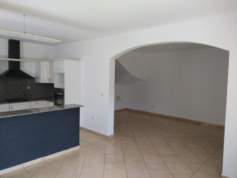 Rental house / villa St benoit 1244€ CC - Picture 4