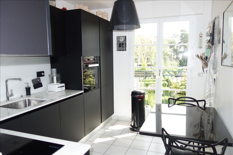 Sale apartment Versailles 720 000€ - Picture 3