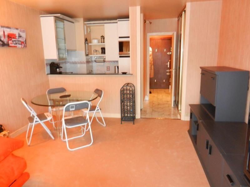 Location appartement Paris 9ème 987€ CC - Photo 2