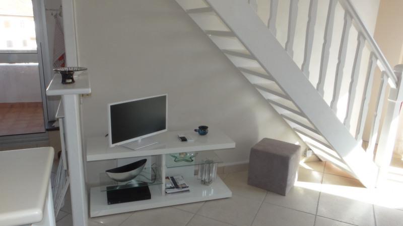 Location vacances appartement Cavalaire 750€ - Photo 6