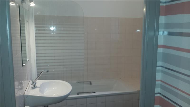 Location appartement Quimperle 375€ CC - Photo 3