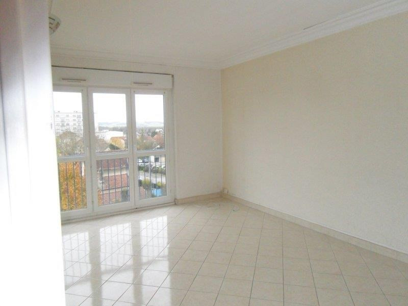 Location appartement Troyes 508€ CC - Photo 3