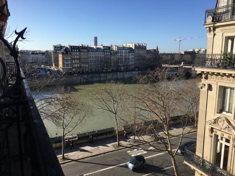 Rental apartment Paris 1er 2525€ CC - Picture 1