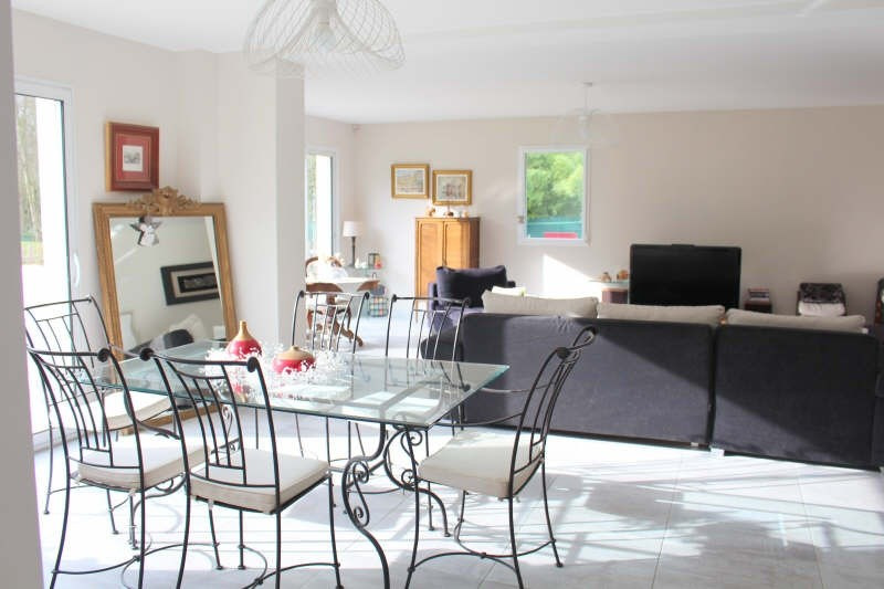 Deluxe sale house / villa Lamorlaye 699000€ - Picture 2
