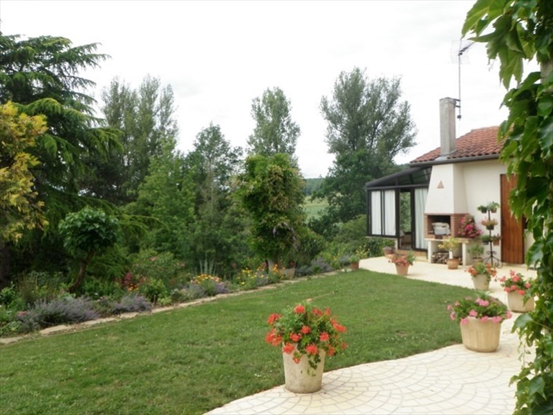 Sale house / villa Le passage 172 000€ - Picture 2