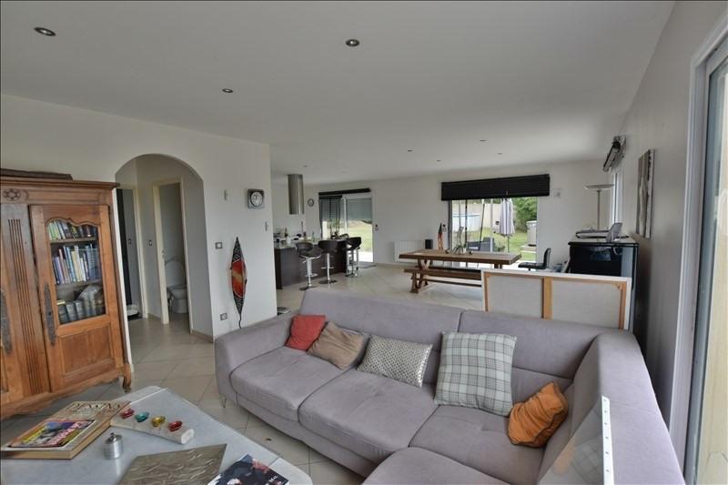 Sale house / villa Mazerolles 276000€ - Picture 1