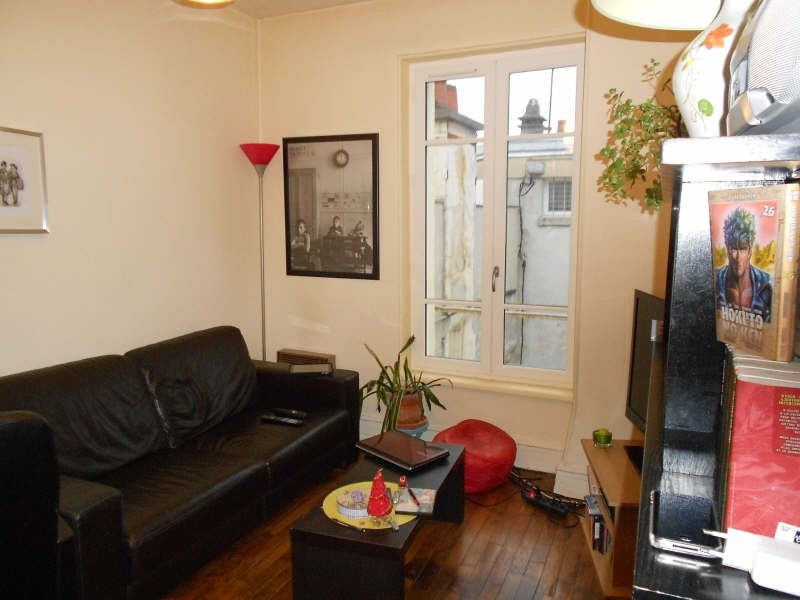 Rental apartment St germain en laye 826€ CC - Picture 1