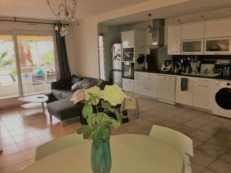 Sale apartment St laurent du var 379000€ - Picture 1