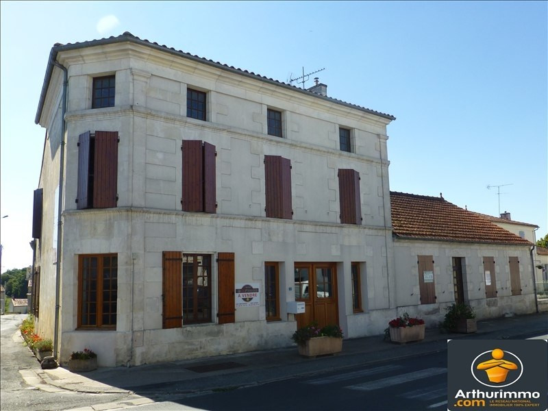 Sale house / villa St jean d angely 137 500€ - Picture 1