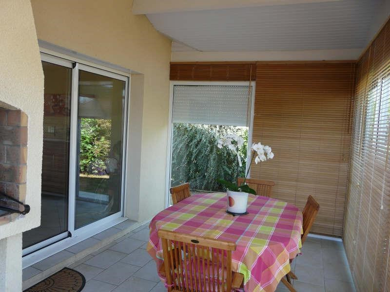 Sale house / villa St seurin sur l isle 299000€ - Picture 5