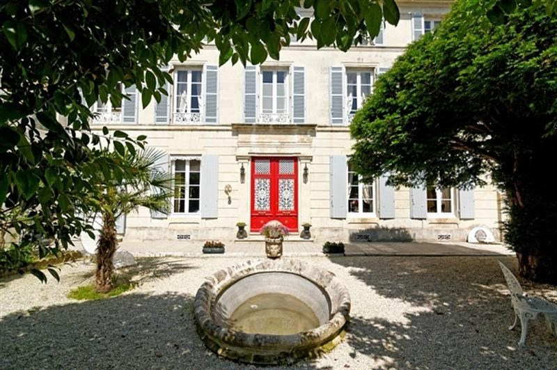 Sale house / villa Saint-jean-d'angély 499 200€ - Picture 1