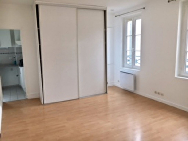 Rental apartment Saint germain en laye 635€ CC - Picture 2
