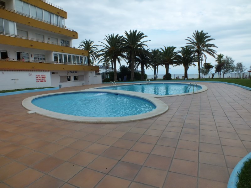 Sale apartment Rosas-santa margarita 110 000€ - Picture 2